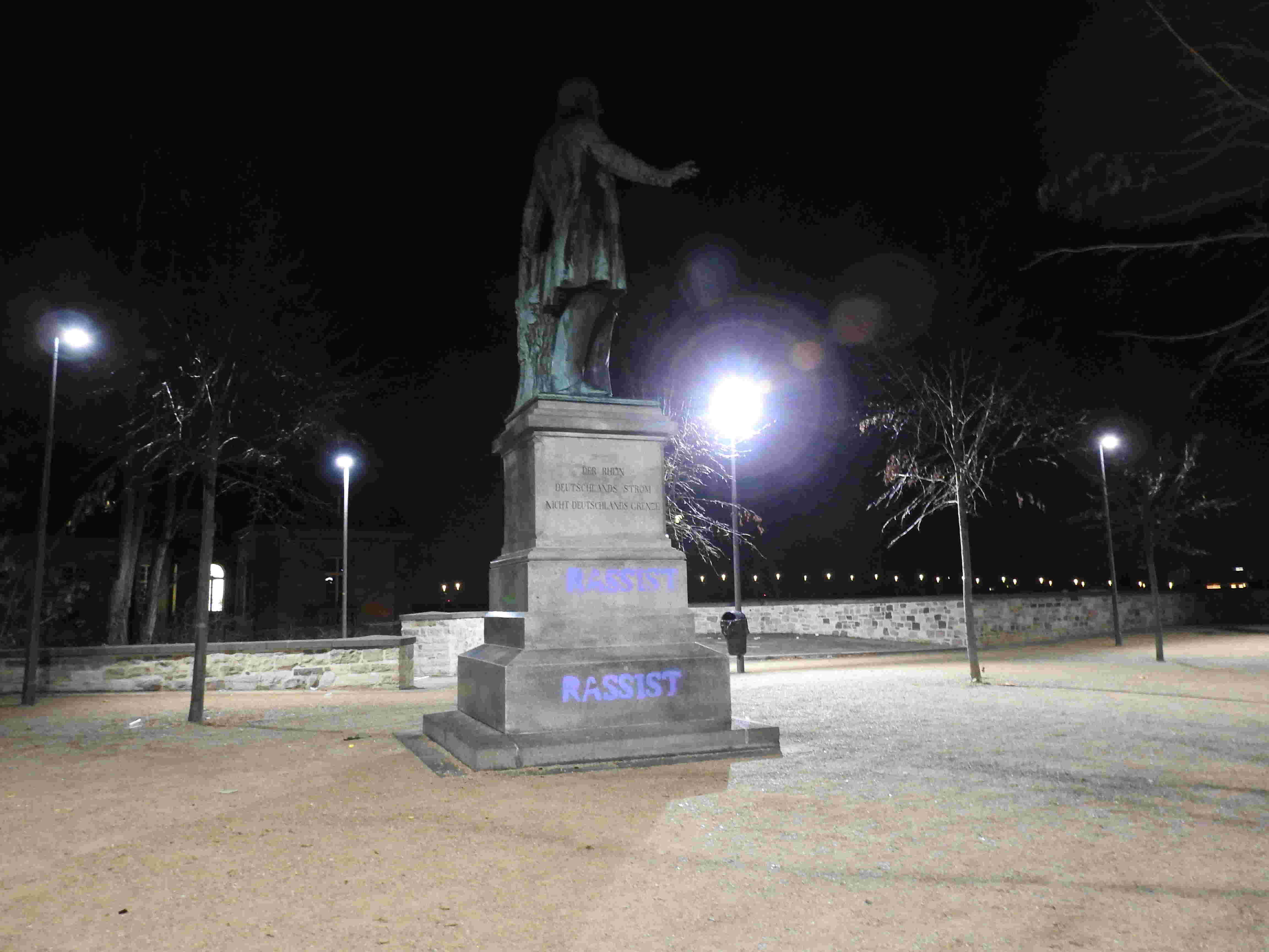 Ernst Moritz Arndt Statue verschönert